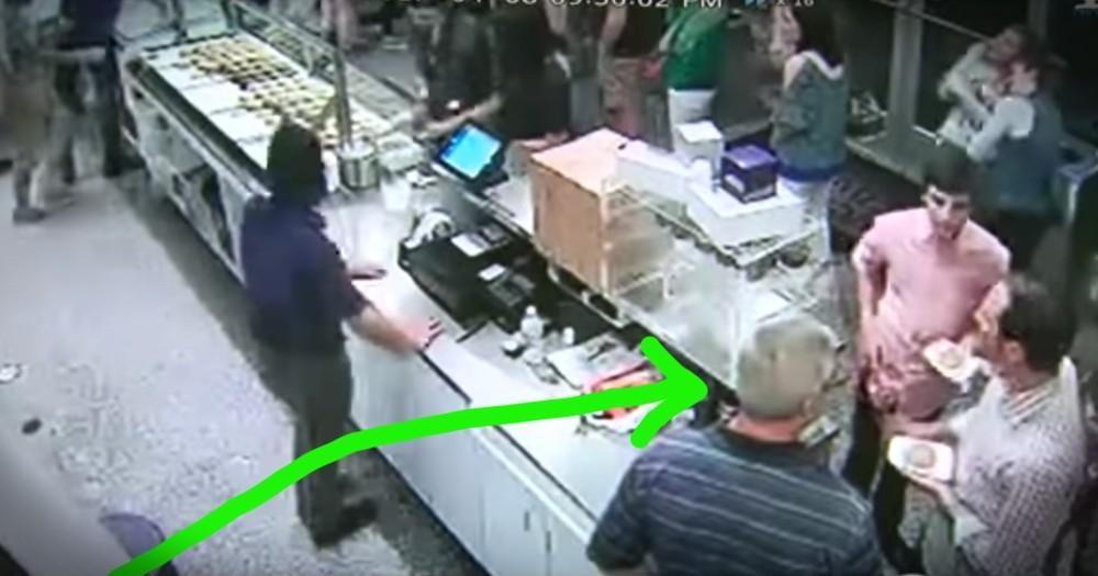 Good Samaritan Pays $1300 For Ice Cream For The Simplest Reason