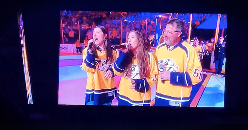 Vince Gill And Daughters Beautifully Sing The National Anthem