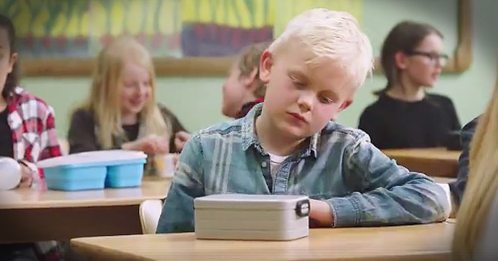 Fellow Students Give Back To Sad Little Boy With No Lunch