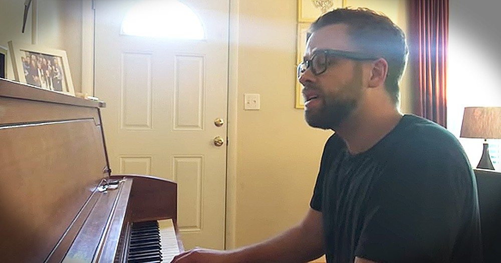 Josh Wilson Sings 'Lord, Jesus Come' For Friend Who Lost His Wife