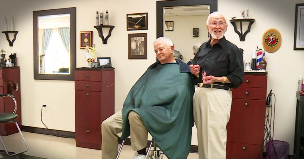 92-Year-Old Marine Barber Still Praising God And Cutting Hair