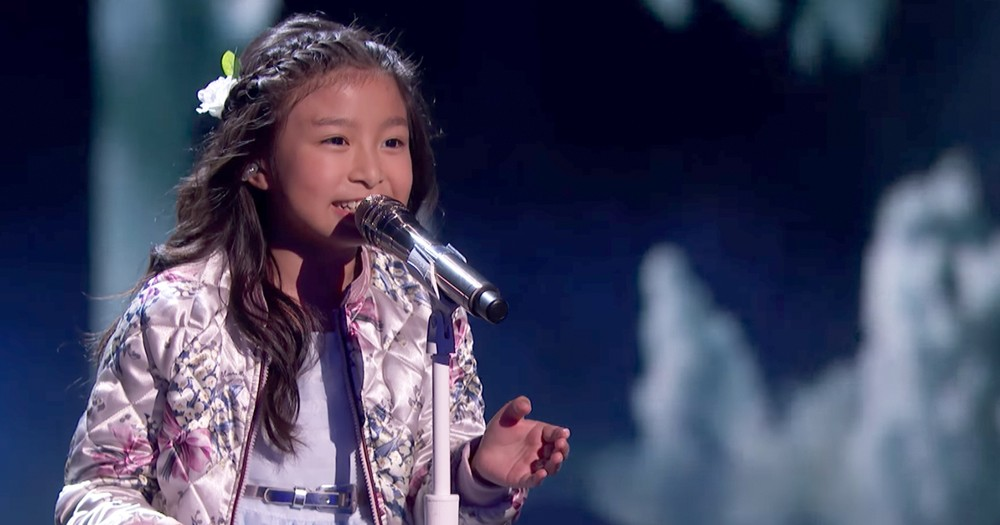 Talented 9-Year-Old Girl Wows Crowd With Popular 'Moana' Song