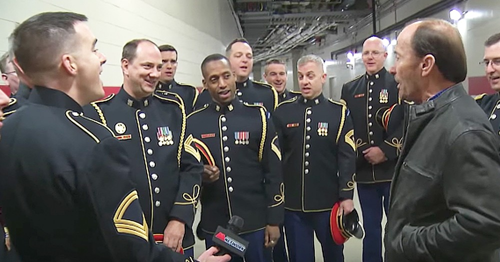 Lee Greenwood's Impromptu Performance Of 'God Bless The USA' With Army Chorus