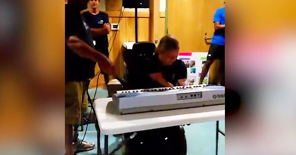 16-Year-Old With No Limbs Plays 'Somewhere Over The Rainbow' On Piano