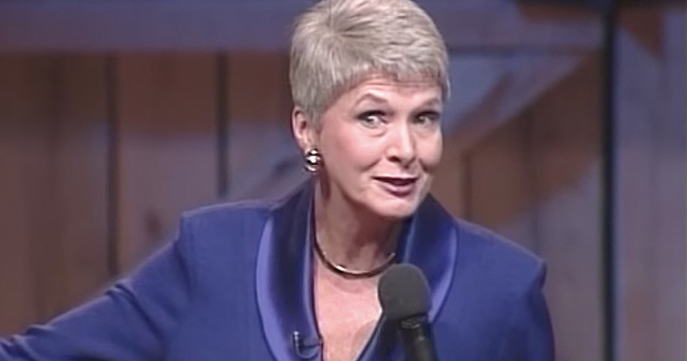 Jeanne Robertson Cracks Up The Audience With Funny Pageant Story