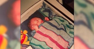 Teen Walks Into Hospital With A Shoebox, Then Nurse Sees 3lb Baby Inside