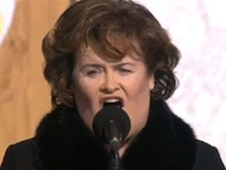 Susan Boyle Sings How Great Thou Art for the Pope