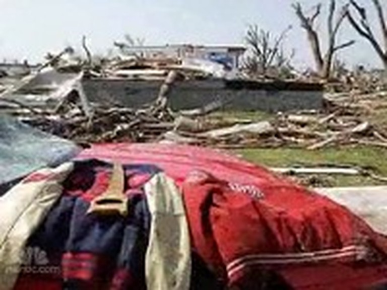 Man Sacrifices His Life to Save his Wife From a Tornado
