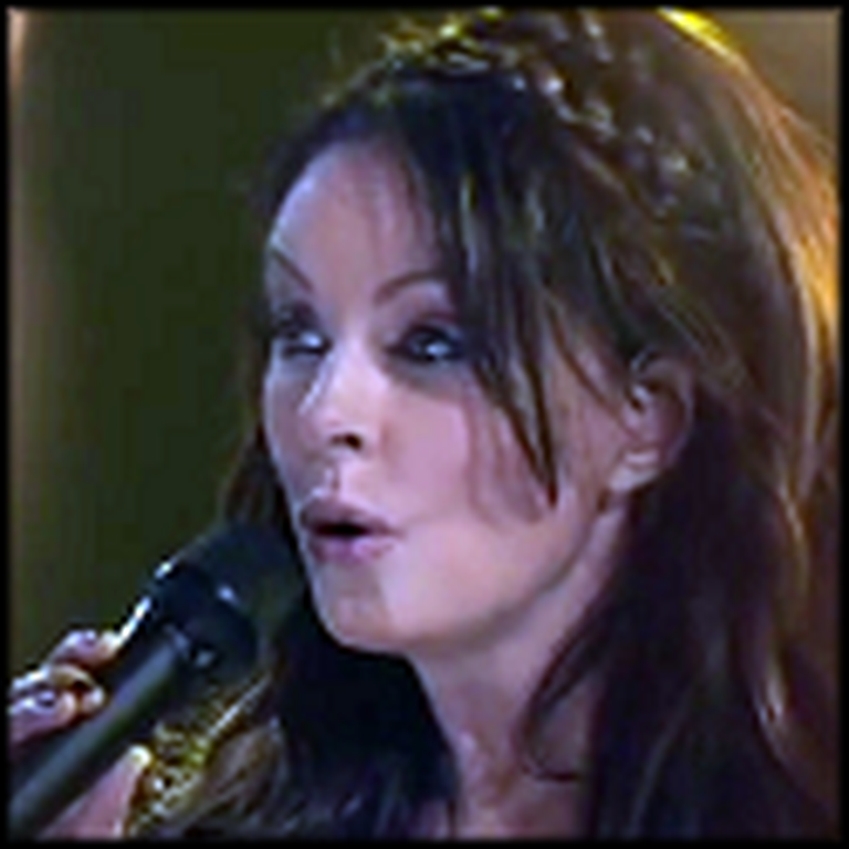 Sarah Brightman Beautifully Sings Ava Maria