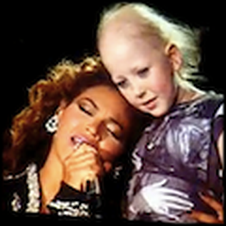 Beyonce Sings Halo on Stage to a Dying Little Girl
