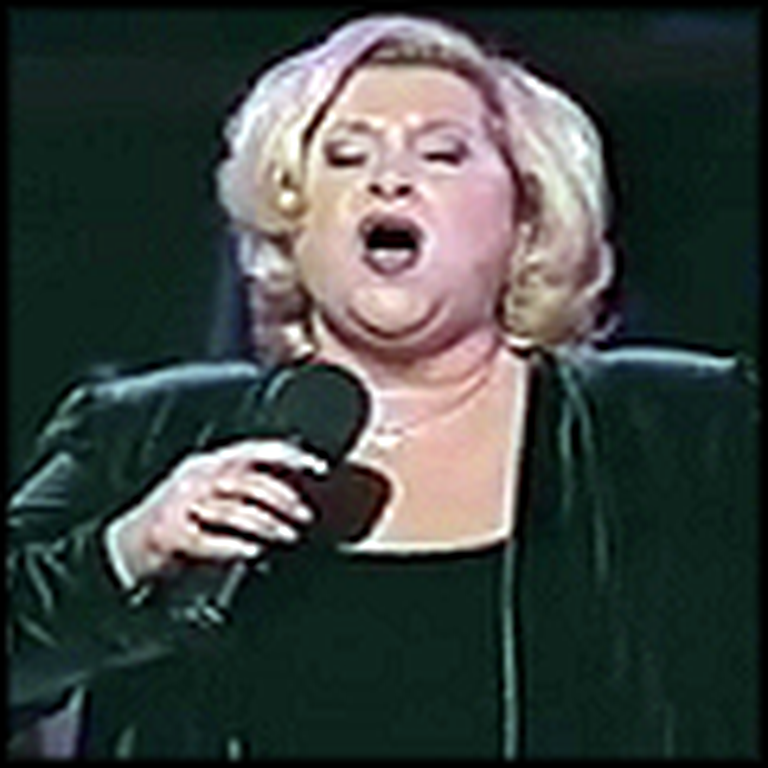 Sandi Patty Sings Amazing Grace at a Thanksgiving Celebration