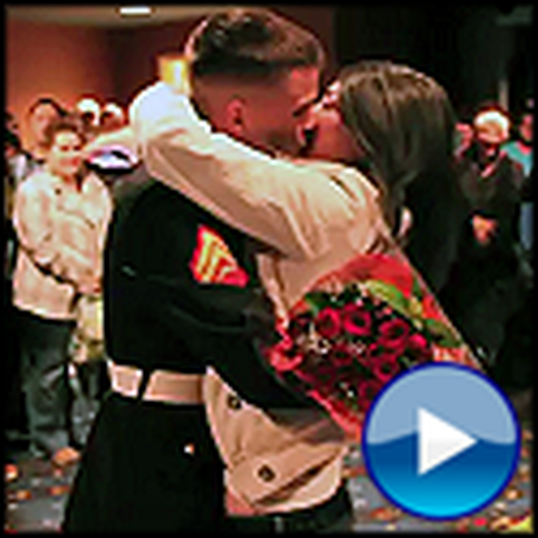 Marine Surprises his Girlfriend in a Very Epic and Romantic Way