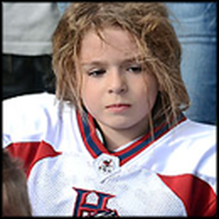 9 Year-Old Girl Football Star Leaves Boys in The Dust