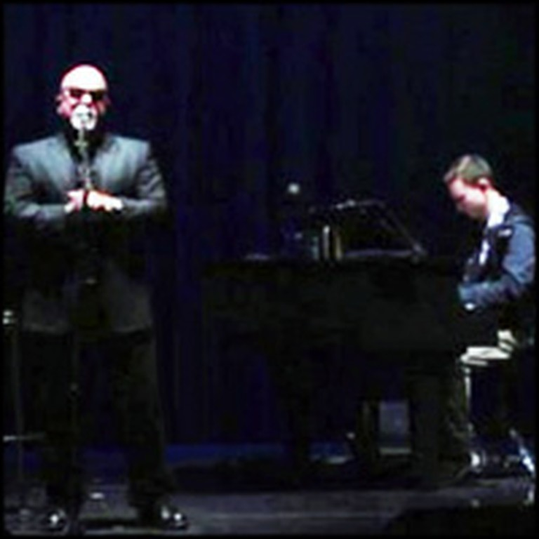 Billy Joel Lets a College Freshman Accompany Him Onstage