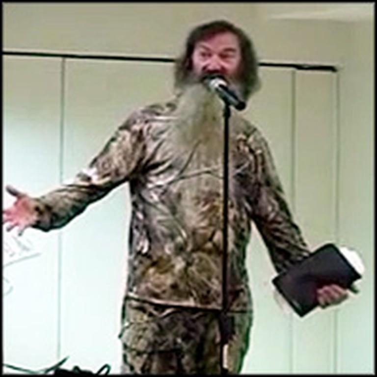 Duck Dynasty Star Phil Robertson Preaches a Powerful Sermon