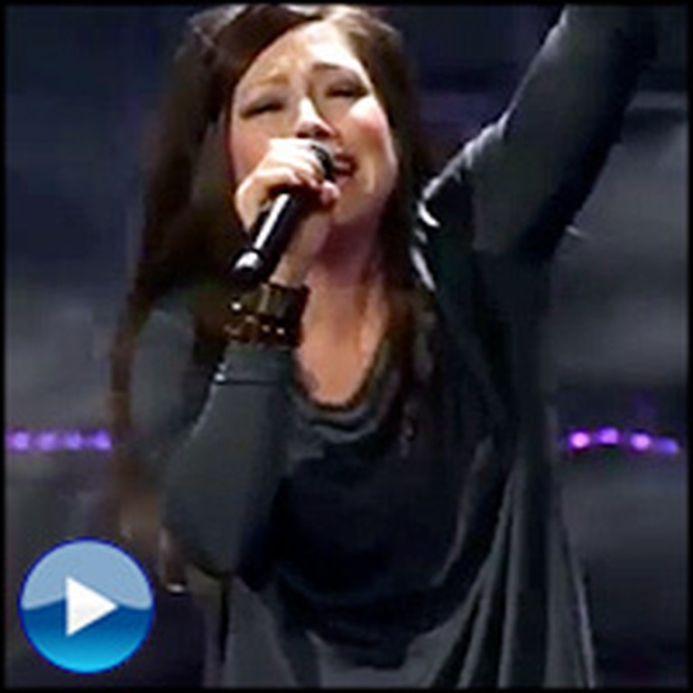 Kari Jobe\'s Powerful Performance of Revelation Song Will Give You ...