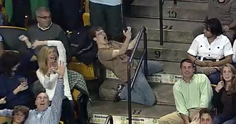 This One-Man Flash Mob Delighted an Entire Stadium - a Simply Hilarious Video