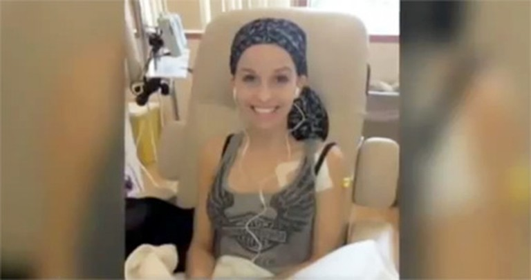 This Amazing Girl is Fighting Cancer... and For a Beauty Pageant Crown. She is So Strong!