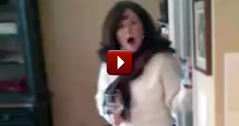Loving Son Gives His Mom an Epic Surprise on Thanksgiving