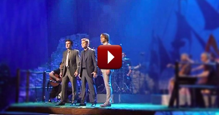 Mind Blowing Version of Hallelujah - You'll Love This
