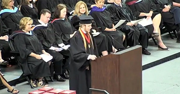 A School Banned Prayer Then a Christian Valedictorian Did Something Inspirational