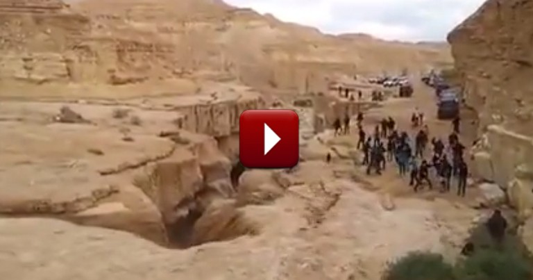 A Desert is Miraculously Transformed into a River Before Your Eyes