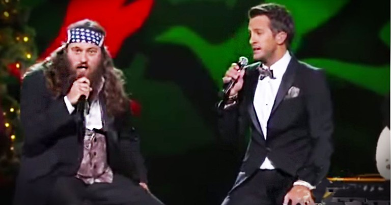 Duck Dynasty's Willie Robertson And Country Star Luke Bryan Sing 'Hairy Christmas'