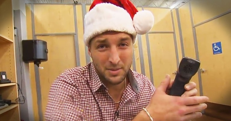Tim Tebow Becomes A Christmas Elf And Pays Off People's Layaway