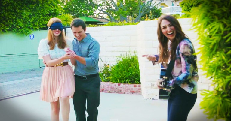 A Beautiful Proposal Gets A Helping Hand From Musician Sara Bareilles