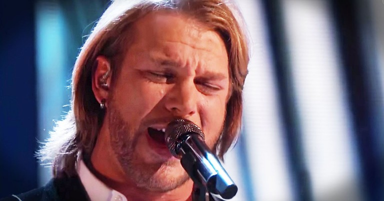 Voice Winner Sings 'Old Rugged Cross'