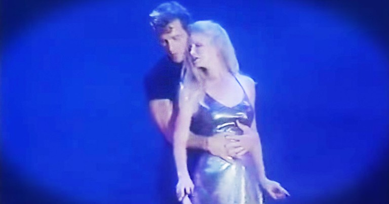 Patrick Swayze's Touching Dance With His Wife - Wow!
