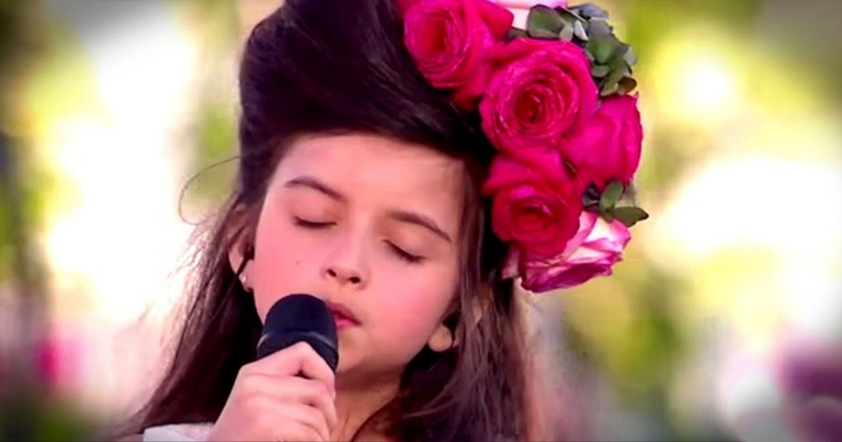 8-Year-Old's Singing Will Take You Back In Time To The Good Old Days!