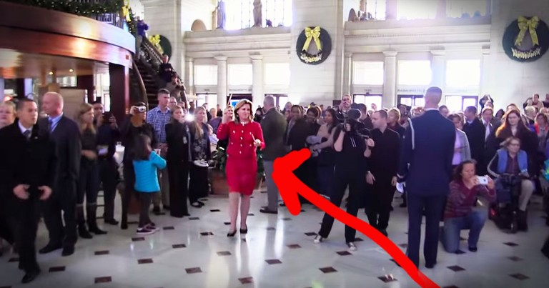 Christmas Flashback Flash Mob Will Bring A Smile To Your Face