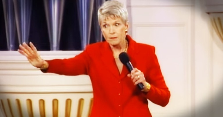 Jeanne Robertson, Left-brain and Luggage Is A Recipe For Hilarity
