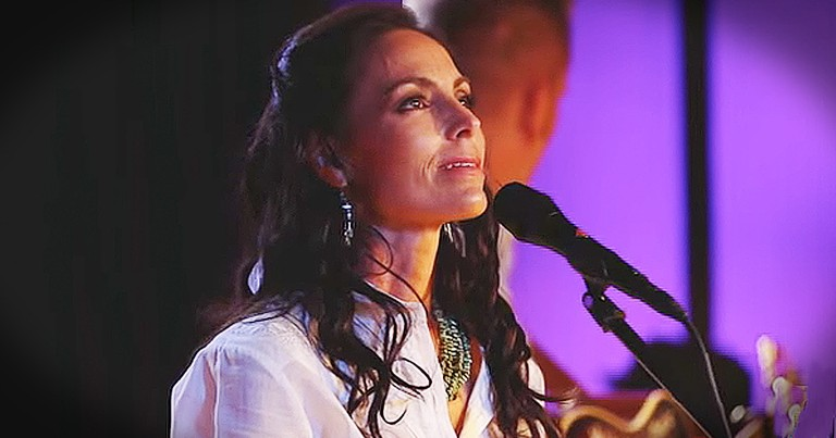 Joey+Rory Singing 'Jesus Paid It All' Is Beyond Moving
