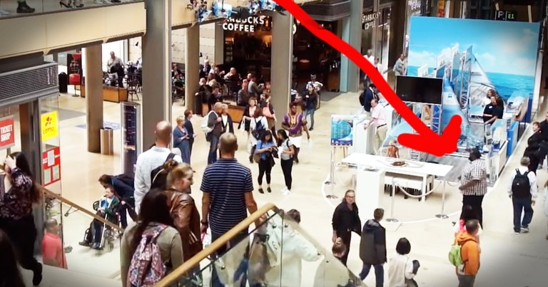Gospel Flash Mob In A Mall Will Make Your Day Extra Happy