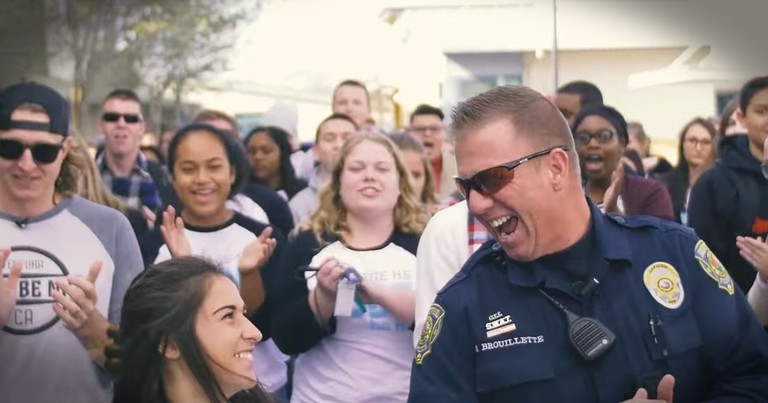 Students Surprise Their Favorite Police Officer With A Huge Flash Mob