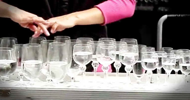 Talented Street Performers Plays Classic Songs Using Water Glasses