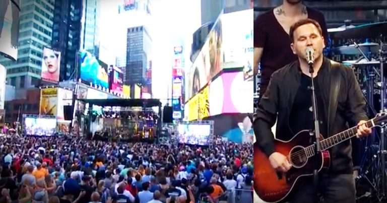 Matt Redman Just Turned Times Square Into A Church And It's Amazing