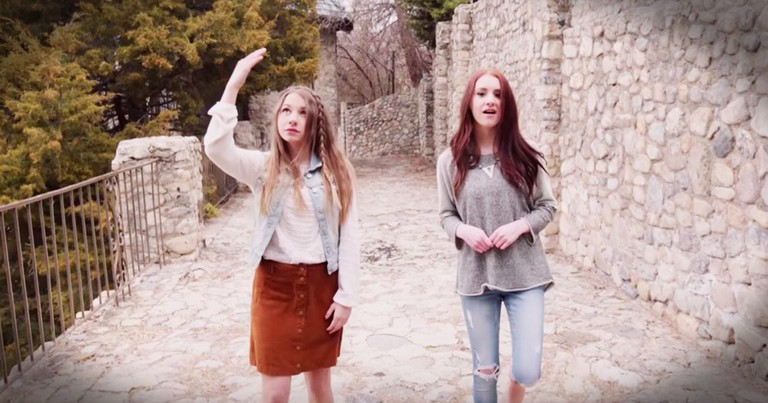 McKynlee and Maddie Wilson Worship With 'Come Thou Fount' and 'How Great Thou Art' ASL Mashup