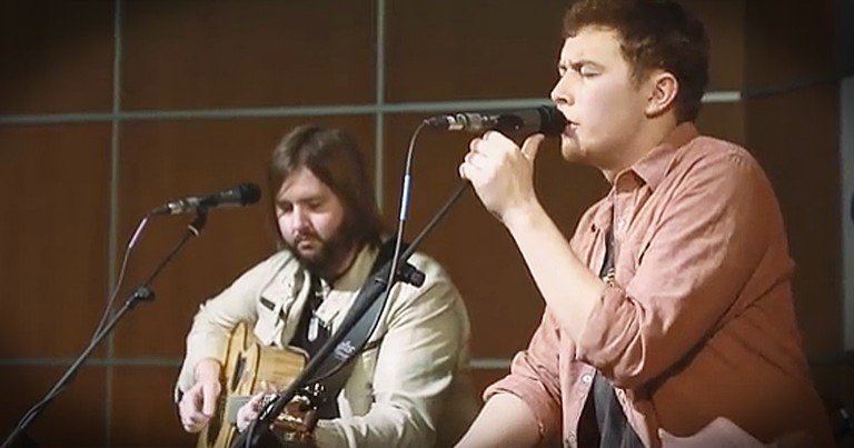 Scotty McCreery Sings 'Christmas In Heaven' For Lost Loved Ones This Christmas