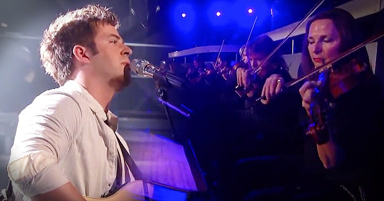 Contestant Stuns Simon And Judges With Chilling Rendition Of 'Hallelujah'