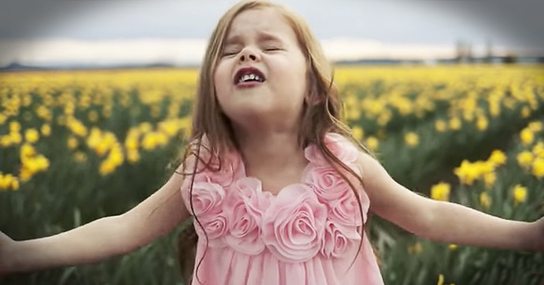 4-Year-Old Sings Easter Hymn 'Beautiful Savior'