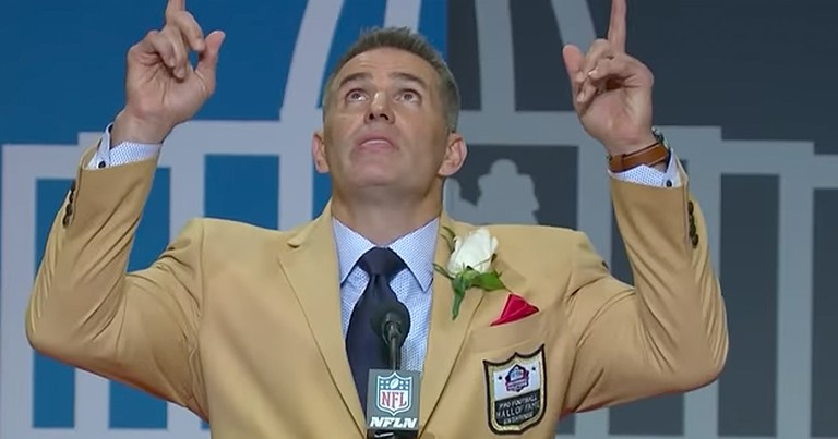 Superstar Kurt Warner Gives Glory To God During Emotional Speech