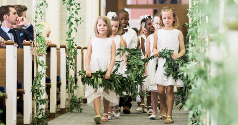 Teacher Includes 20 Kindergarten Students In Wedding