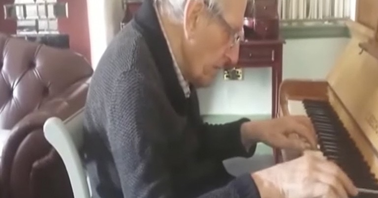 94-Year-Old With Dementia Plays Wife Beautiful Song On Piano