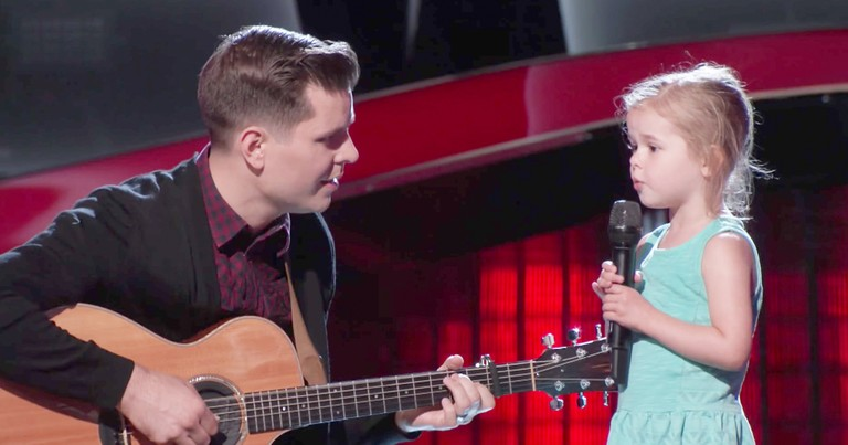Little Girl Runs Out On Stage To Sing With Dad After His