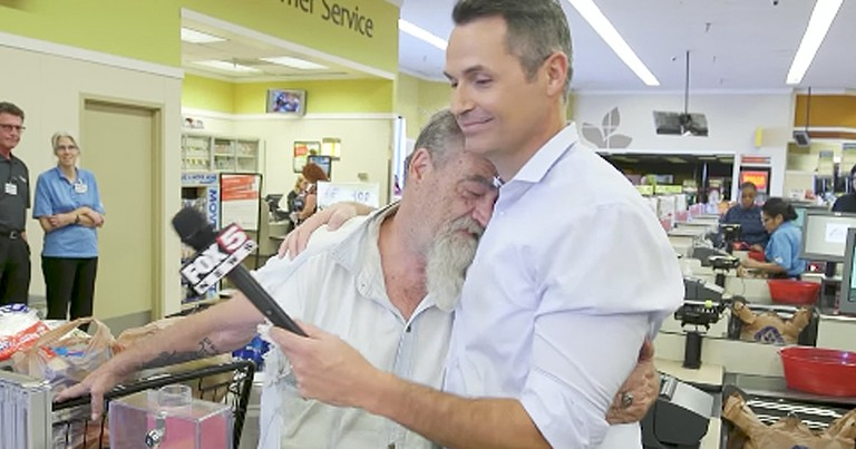 Good Samaritans Leaves Veteran In Tears At Grocery Store