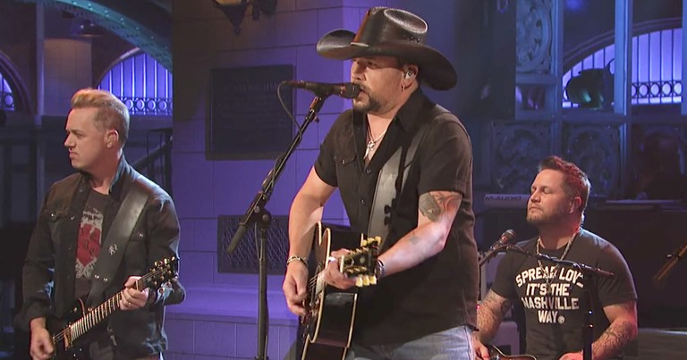 Jason Aldean's Emotional Tribute To Las Vegas Victims On National TV