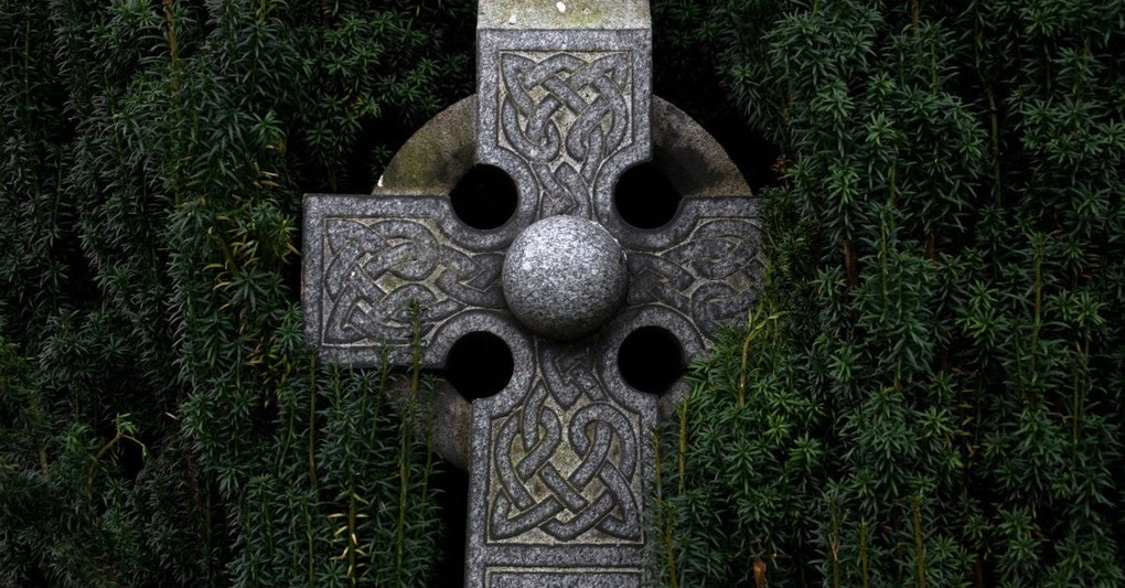 may the road rise up to meet you origin, celtic cross
